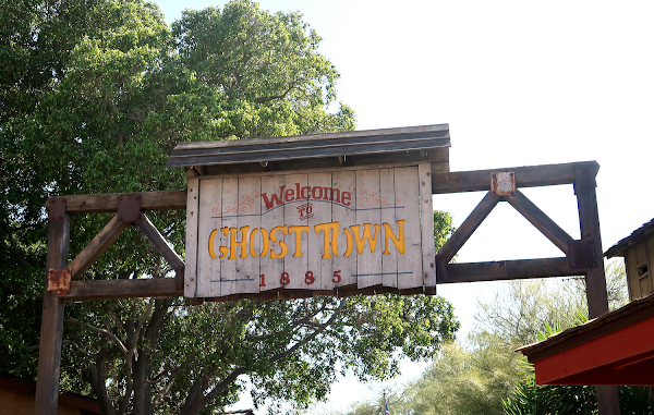 Knott's Berry Farm Ghost Town Alive!