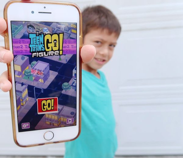 Teen Titans GO Figure! Game