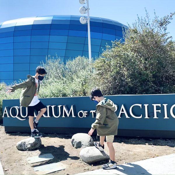 Kids visiting Aquarium of the Pacific